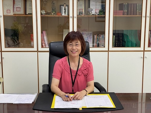 Chief / Neihu Office, National Taxation Bureau of Taipei, Ministry of Finance : CIOU,LI-BAO